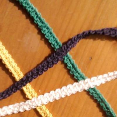 Lacet au crochet (ruban, cordon, biais, galon)