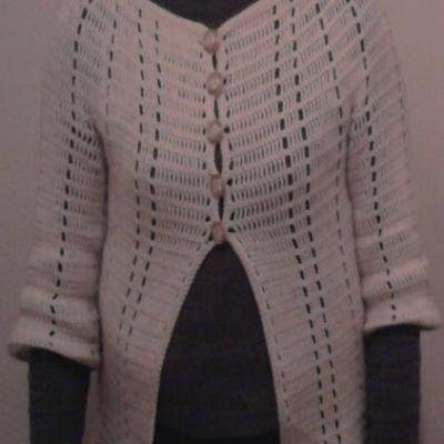Gilet cachemire laine écru au crochet