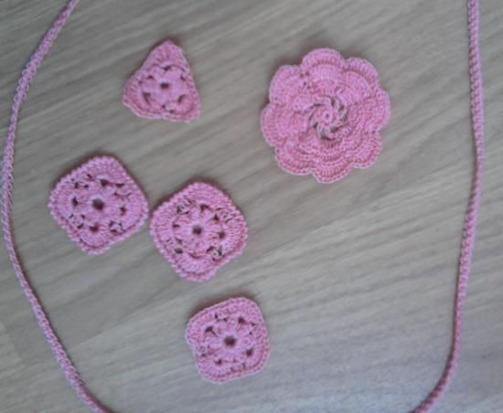 Mini pièces au crochet