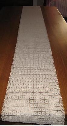 chemin de table (2m10 / 30cm)(32h) (crochet n°1,5)